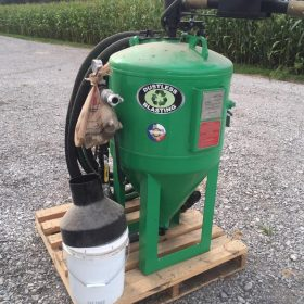 Online Only DB800 Sand Blaster with All Equipment Bidding – Start Bidding Today!