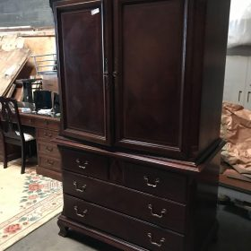 Auction Completed! Online Only Fine Furnishings Auction and Art Work – Bidding Ends October 8th at 7pm